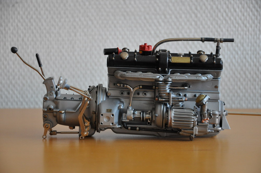 Pocher Alfa Romeo Spider-engine1-jpg