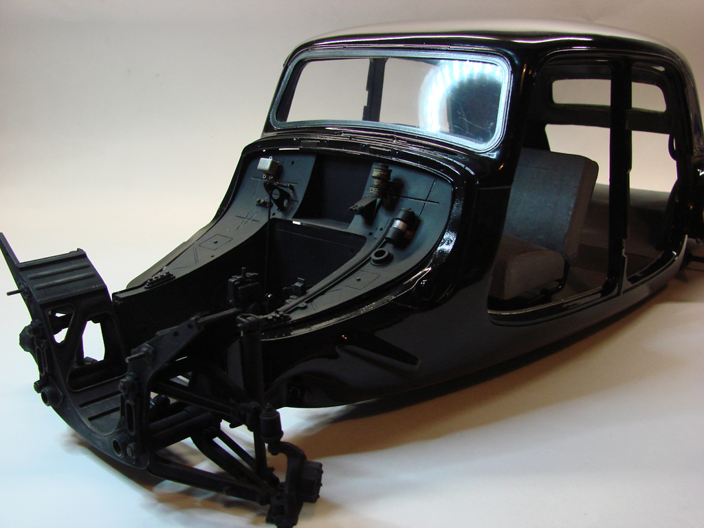 "Citroen 15-Six ""Traction Avant"" - 1952 - Heller - 1/8-dsc16629-jpg"