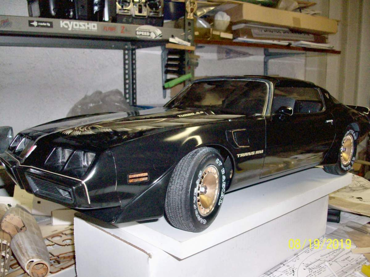 1/8 Monogram Turbo T/A with broken pillars, top and multiple cracked body.-100_1154-jpg
