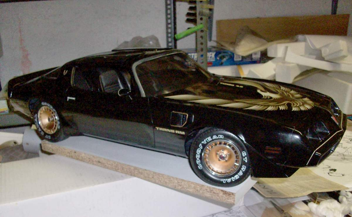 1/8 Monogram Turbo T/A with broken pillars, top and multiple cracked body.-100_1156-jpg