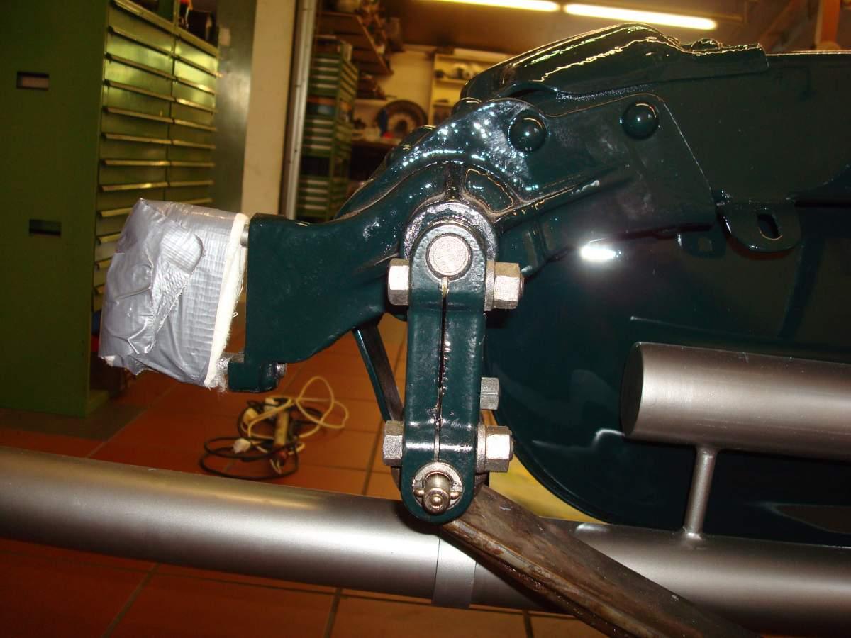 1:12 1932 Cadillac V-16 frame and engine-arri-re-jpg