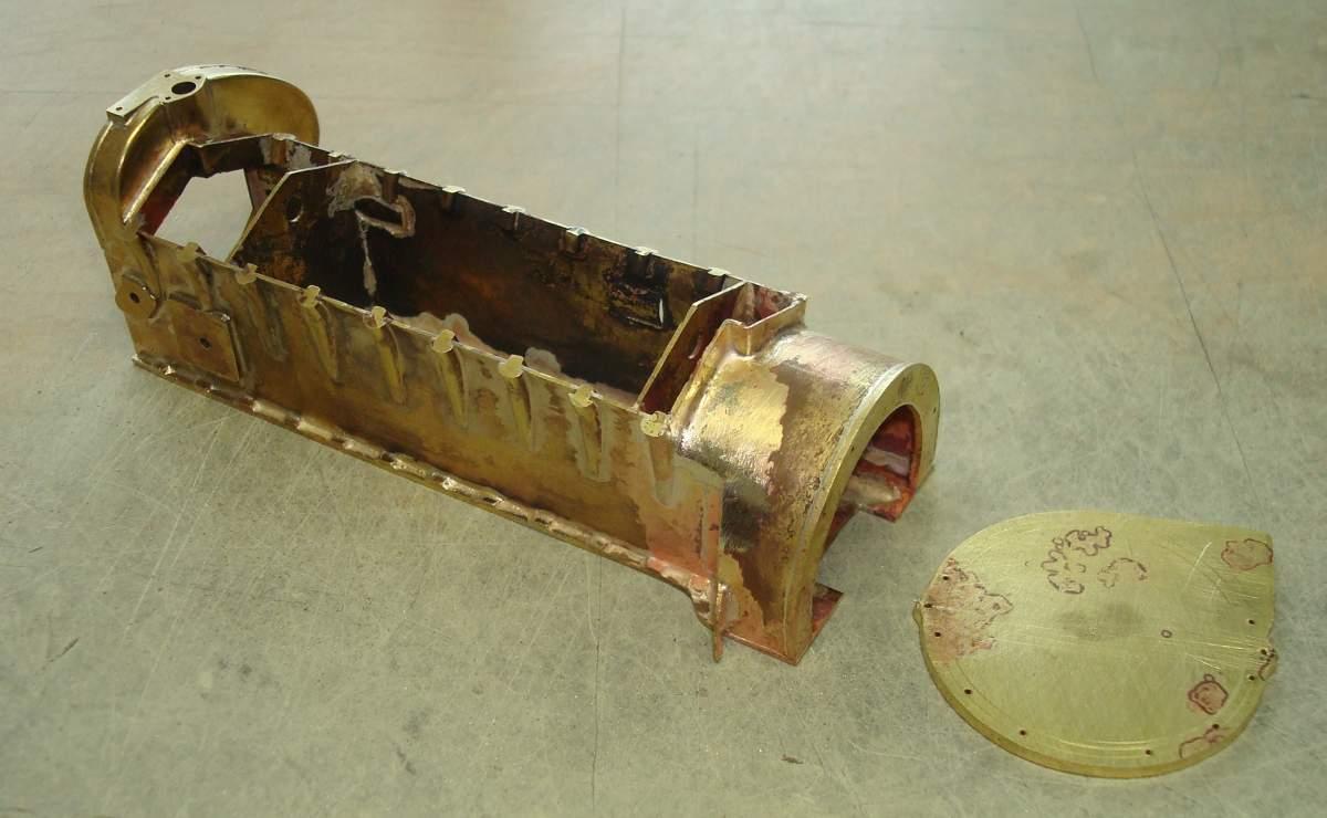 1:12 1932 Cadillac V-16 frame and engine-215-soldered-housing-jpg