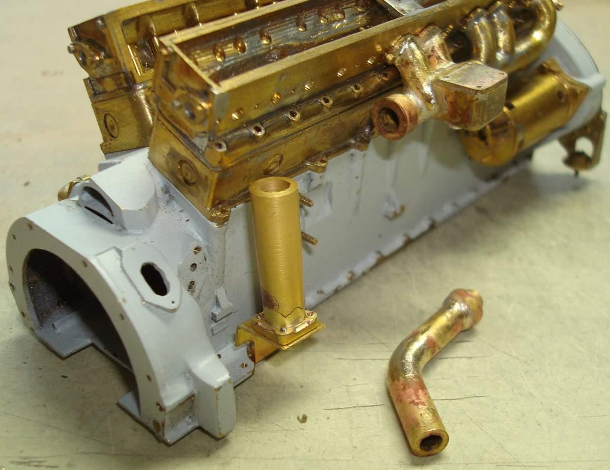 1:12 1932 Cadillac V-16 frame and engine-336-rear-manifold-jpg