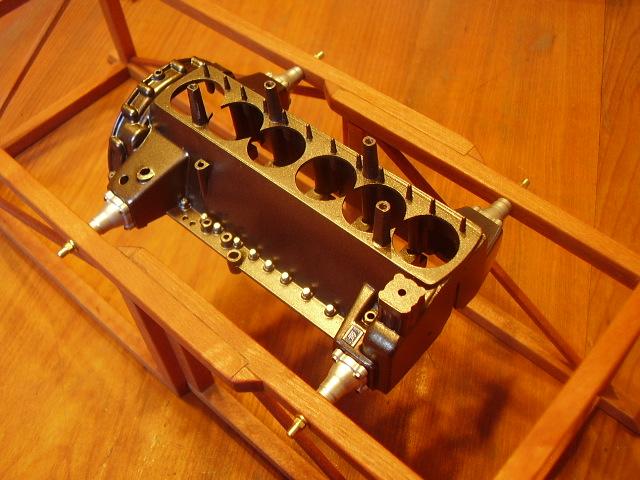 Pocher Rolls K 72 Build 1-I (The engine stand 2)-15-jpg