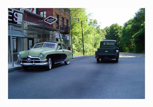 Like model cars in dioramas?-2346008559_083b1bcae9-jpg