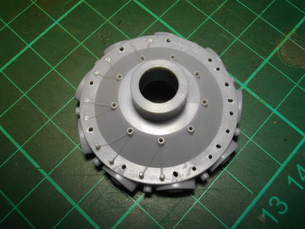 Clerget 9B Rotary Engine. 1/8th. Hasagawa.-crank-003-jpg