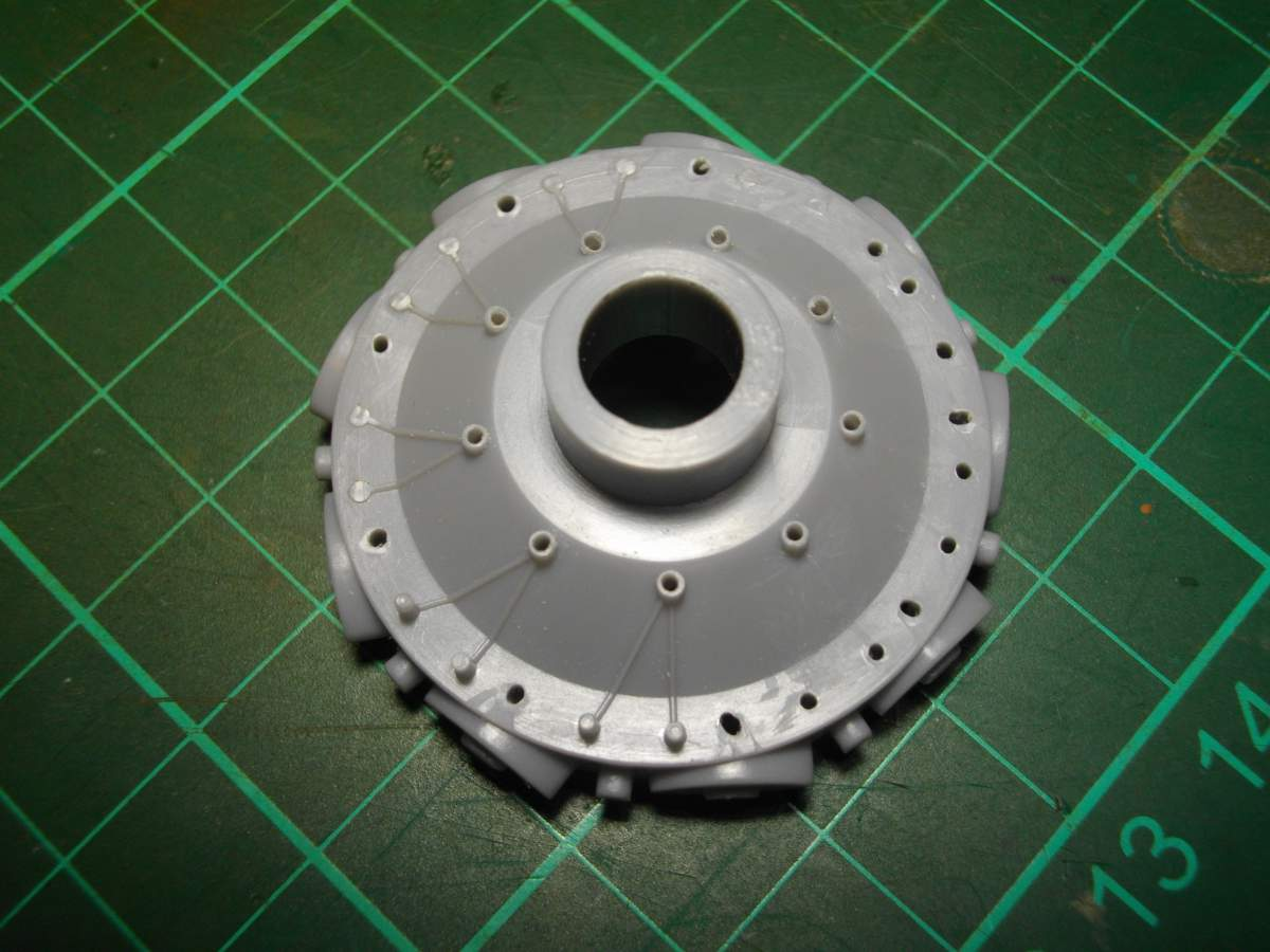 Clerget 9B Rotary Engine. 1/8th. Hasagawa.-crank-003-jpg