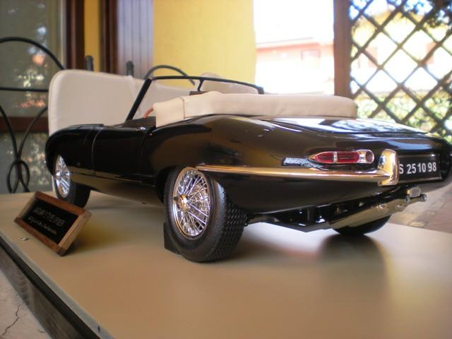 1/8 Miura-jaguar-spider-modelrossi-006-jpg