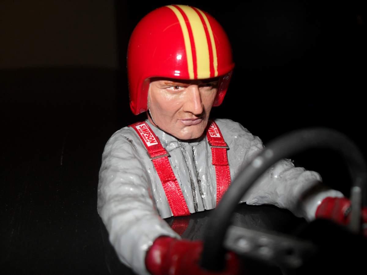 1/8 scale driver figure-003-jpg