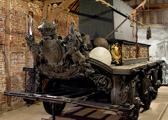 1895 Hearse-wellingtons-funeral-carriage-700x500-jpg