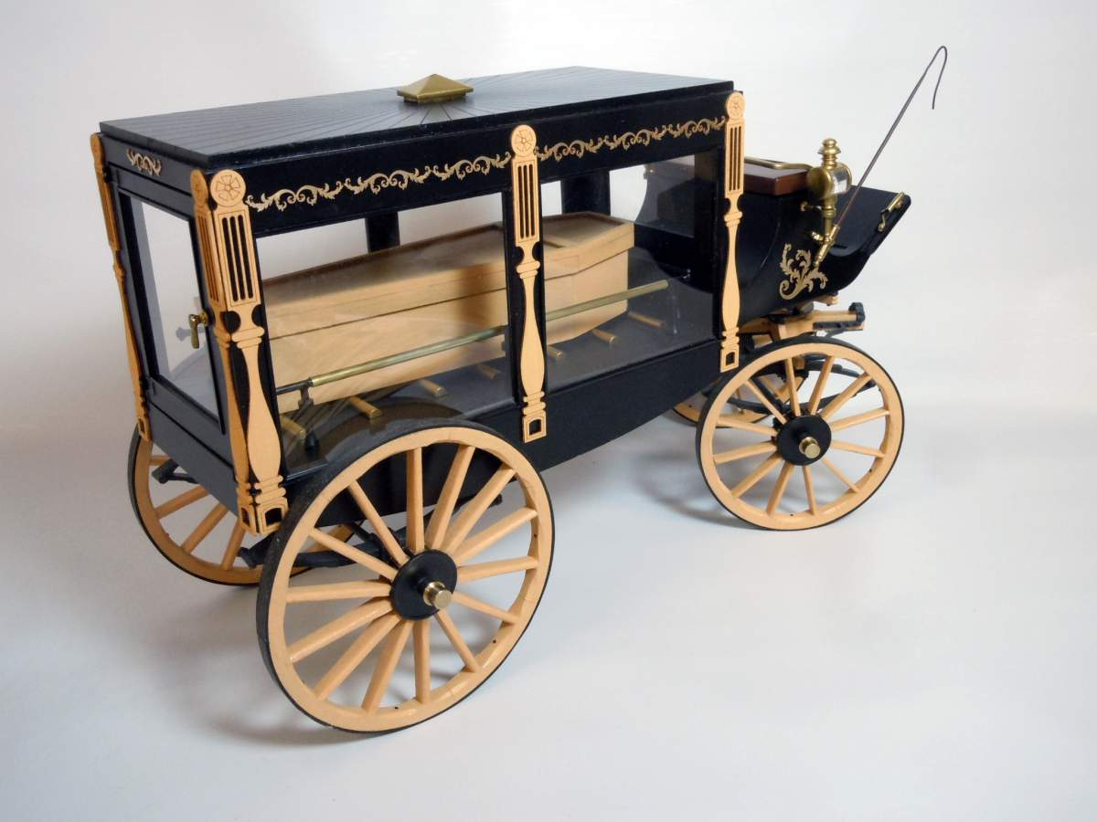 1895 Hearse-completed-hearse-06-jpg