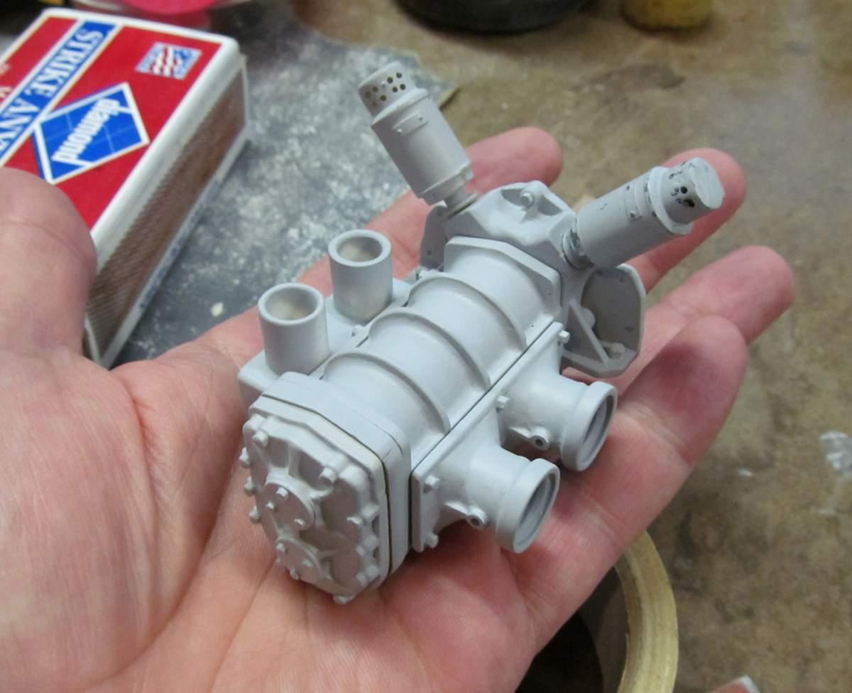 Ardun Kits V8 V12-bllower-hand-jpg
