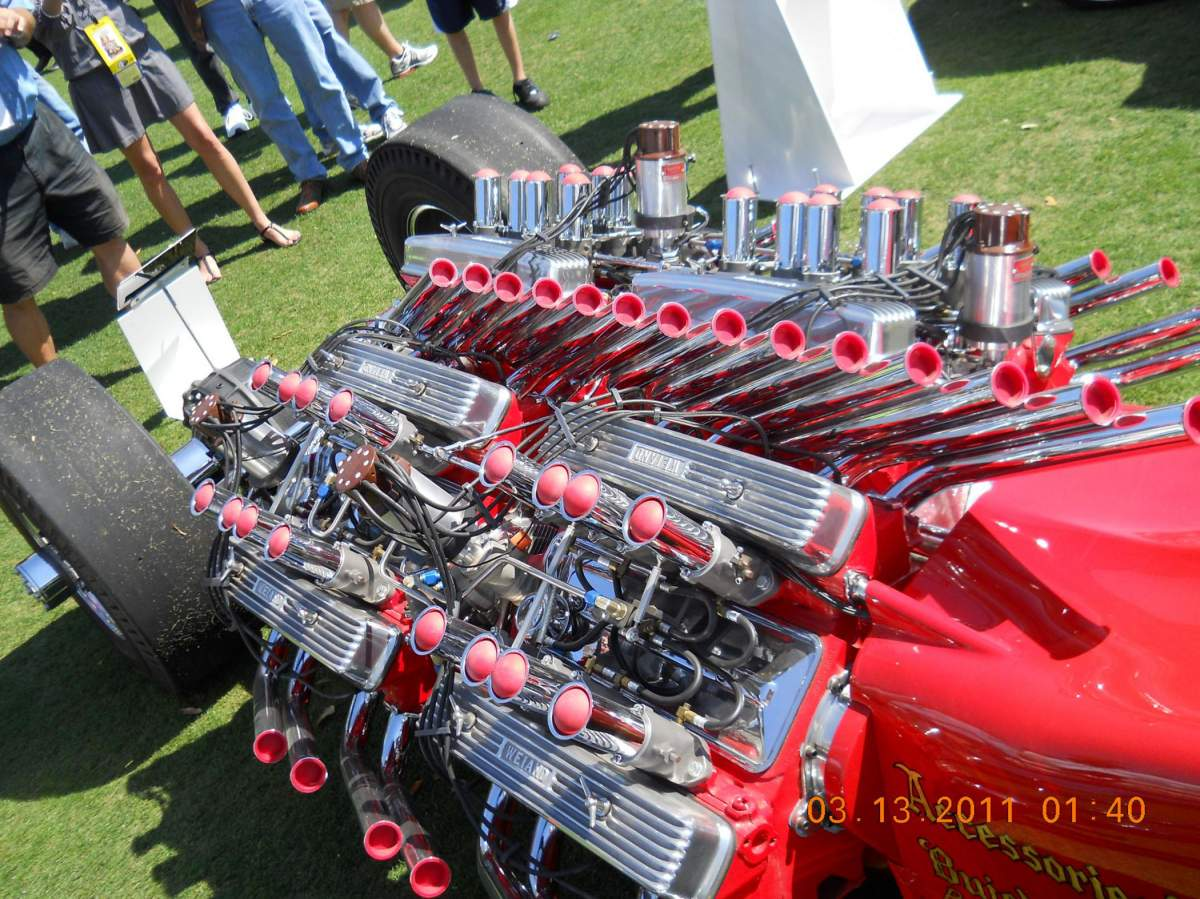 Tommy Ivo's Showboat 1/8 Scale-sb-engine-43-jpg