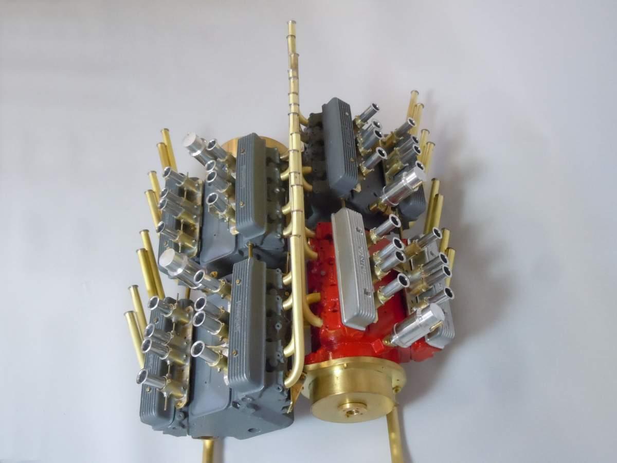 Tommy Ivo's Showboat 1/8 Scale-sb-engine-51-jpg