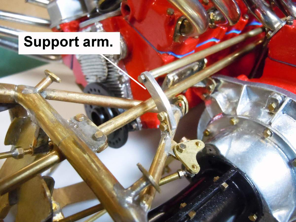 Tommy Ivo's Showboat 1/8 Scale-throttle-linkage-01-jpg