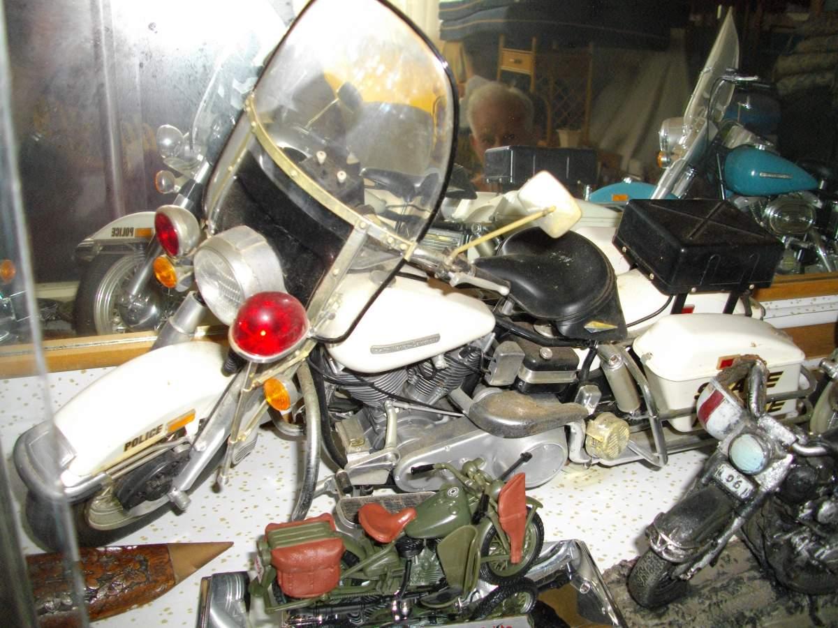 A selection of Tamiya 1/6 Harley Davidsons.-dicks-harleys-001-jpg