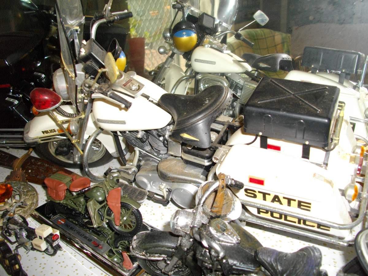 A selection of Tamiya 1/6 Harley Davidsons.-dicks-harleys-006-jpg