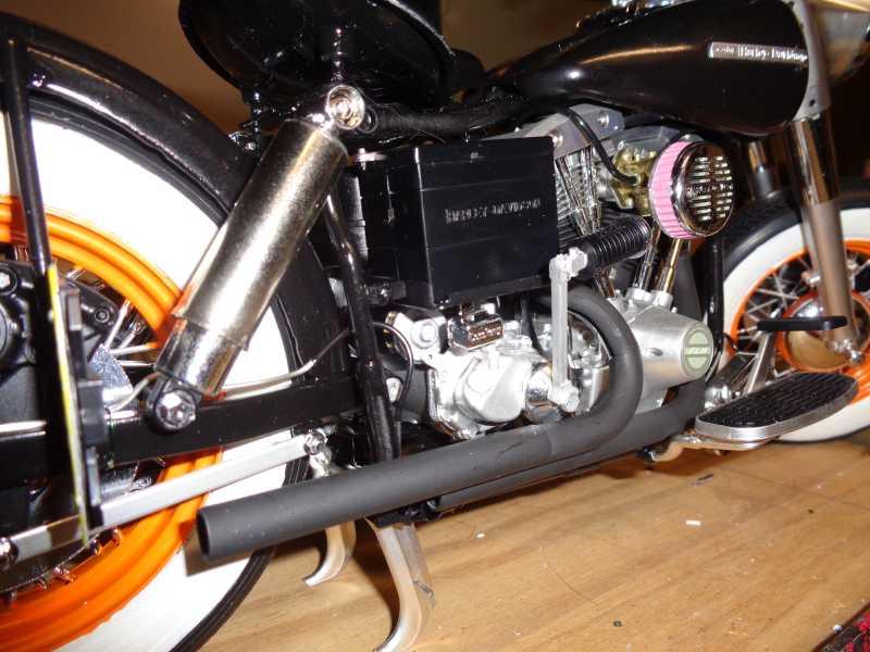 Tamiya 1/6 H-D Police Bike- Outlaws have more fun!-peeps-jpg