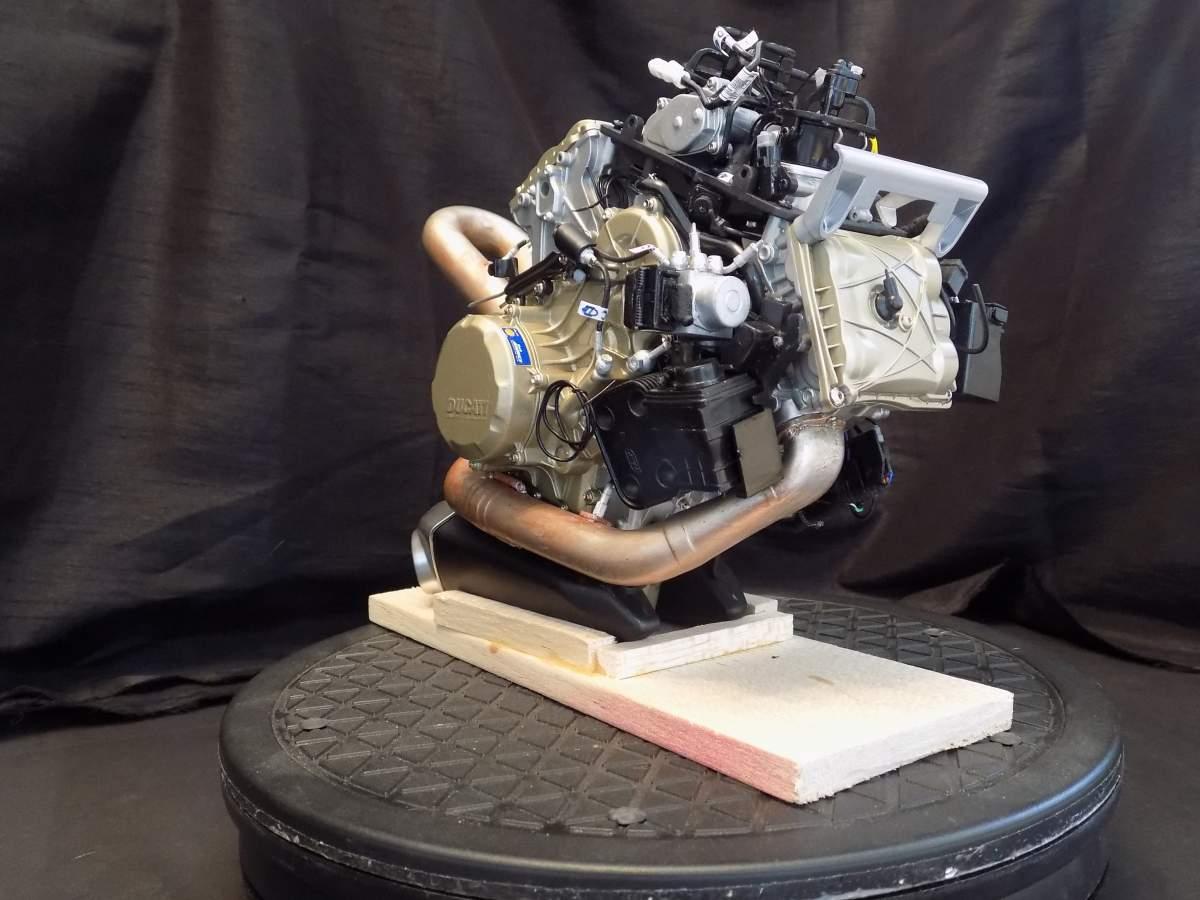 Pocher Ducati Panegali 1299s-dscn1525-jpg