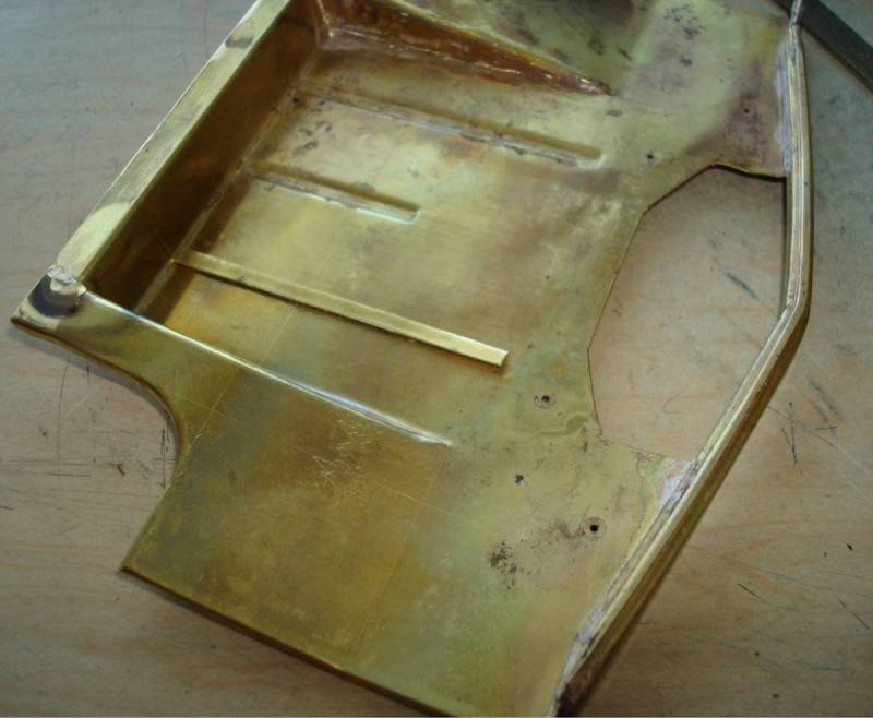 Floor pan with tool