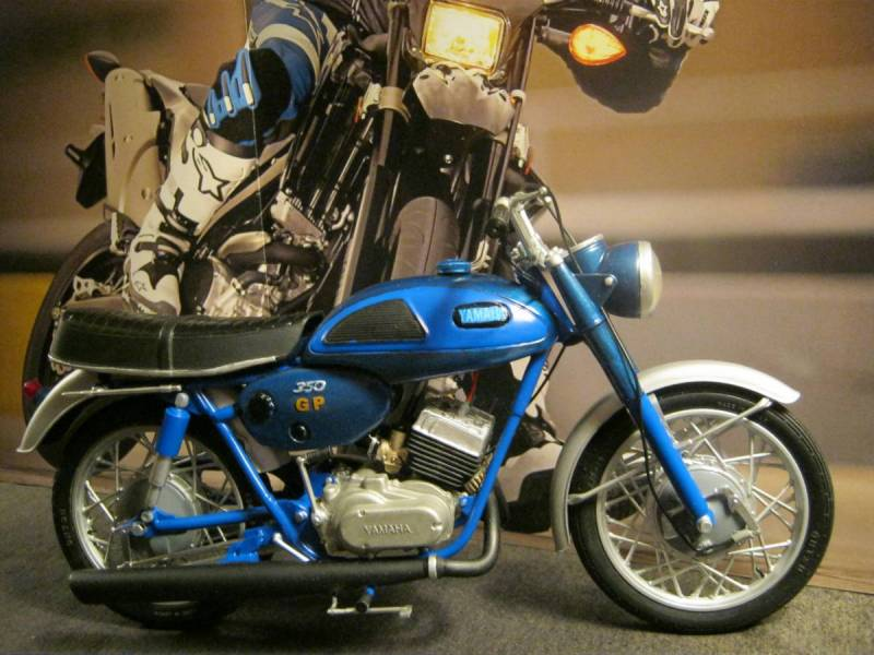 1968 Revell Yamaha GP 350 1/12th scale