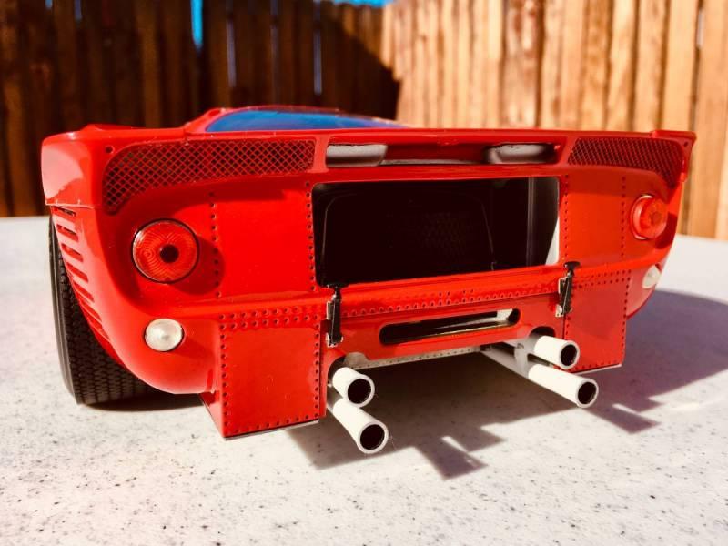 Model factory hiro Ferrari P4