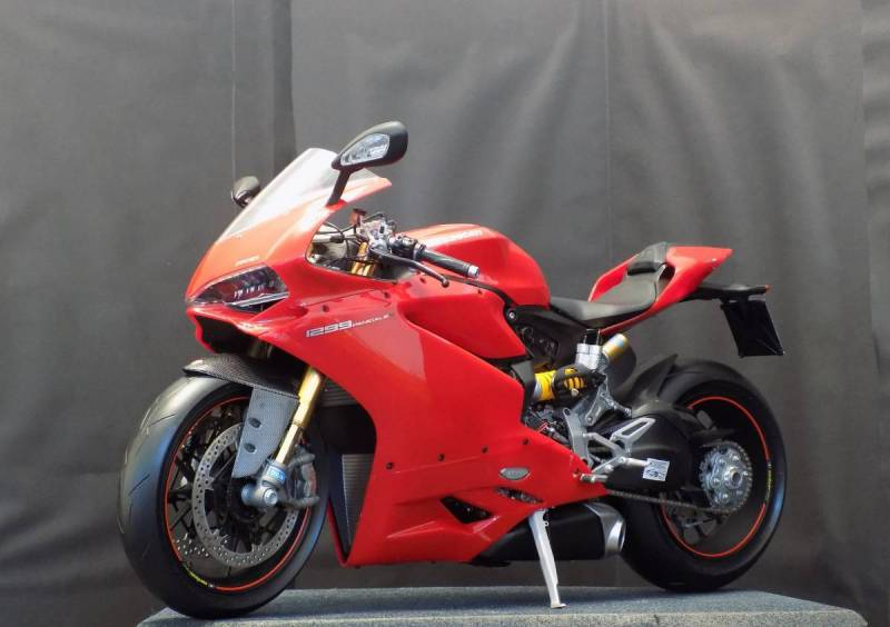 Photographs of completed Ducati Panegale 1299s
