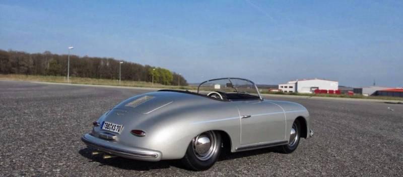 Porsche 356ASpeedster 1/8