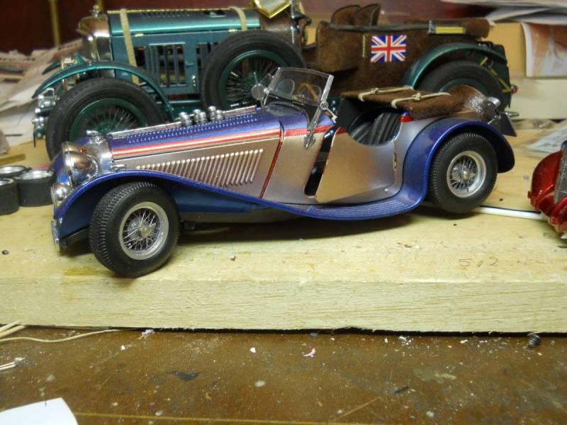 Minicraft 1/16 scale 1939 Jaguar
