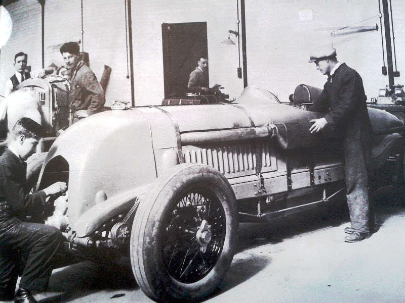 Bentley_Race_Car_at_Cricklewood1